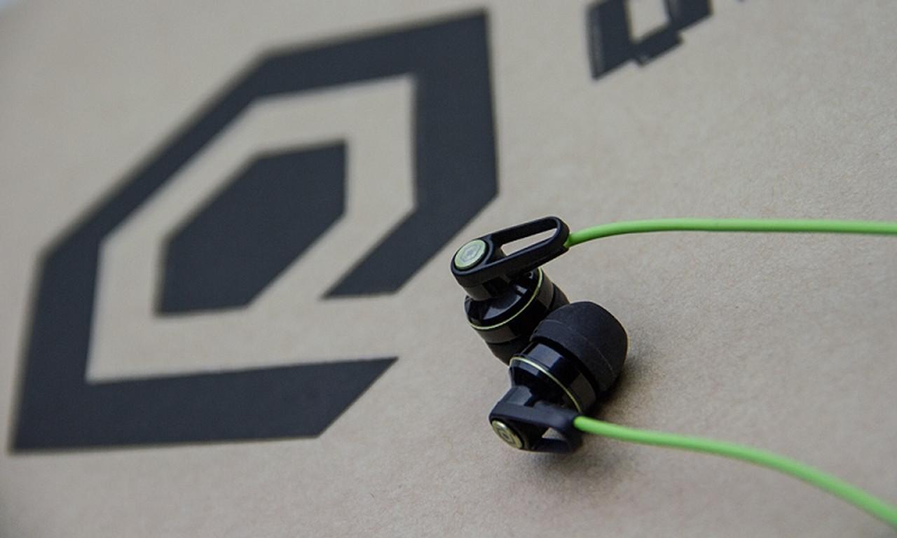 Q-EB02 Sport Ear Buds