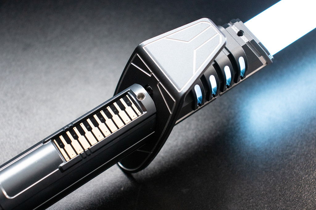 Pristine Ebon Razor with Black Gold Standard Switch