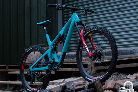 Santa's Ultimate Custom Build - Yeti SB140