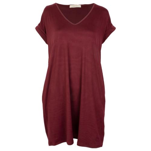 Women's Maroon Solid Cuffed Sleeve V-Neck Lightweight Pocket Dress