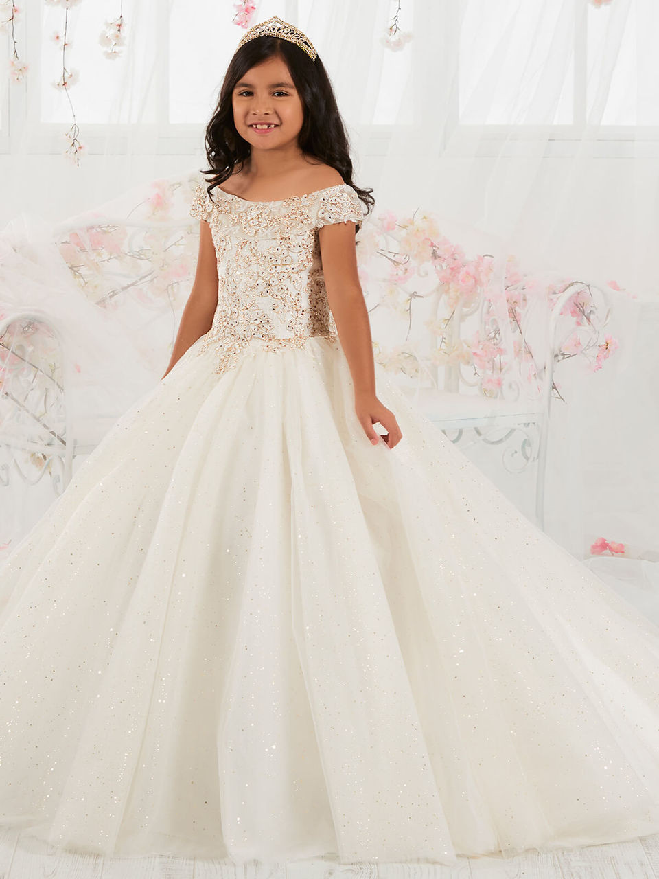 ABAO Childrens Girls Whit Elegant Embroidered Floral Ball Gown Wedding Dress ZG8