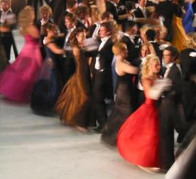 Need a Last Minute Prom Dress?