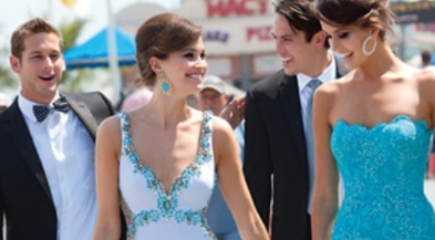 How to Match Your Prom Dress to Your Prom Date's Tux