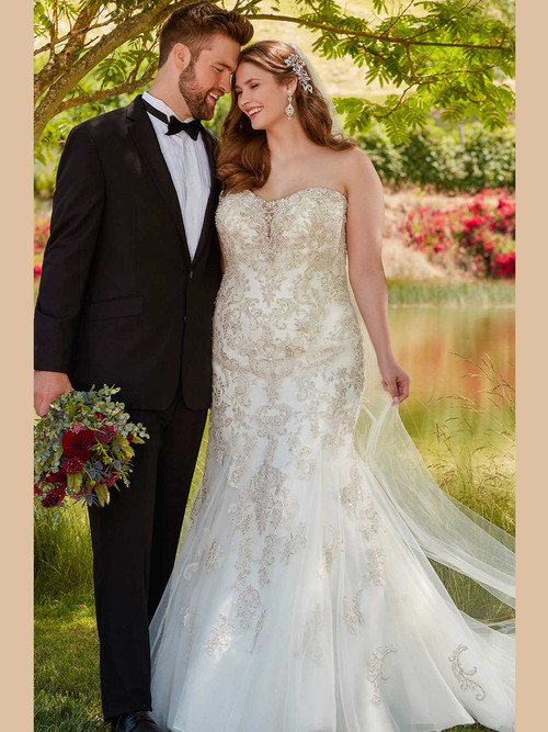 Ivory Sweetheart wedding gown Essense D2401