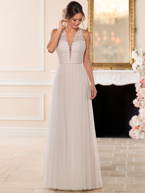 V-neck wedding gown Stella York 6707