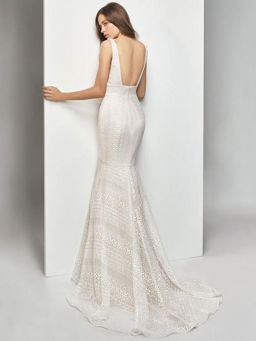Enzoani Beautiful V-Plunging Wedding Gown BT19-12