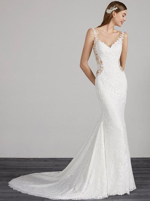 V-neck wedding dress Pronovias Morocco