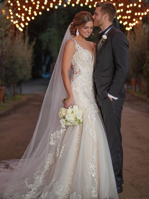 Trumpet skirt Essense of Australia Bridal Gown D2844