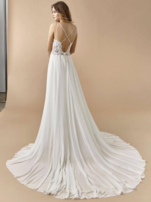 Enzoani Beautiful Wedding Gown BT20-06