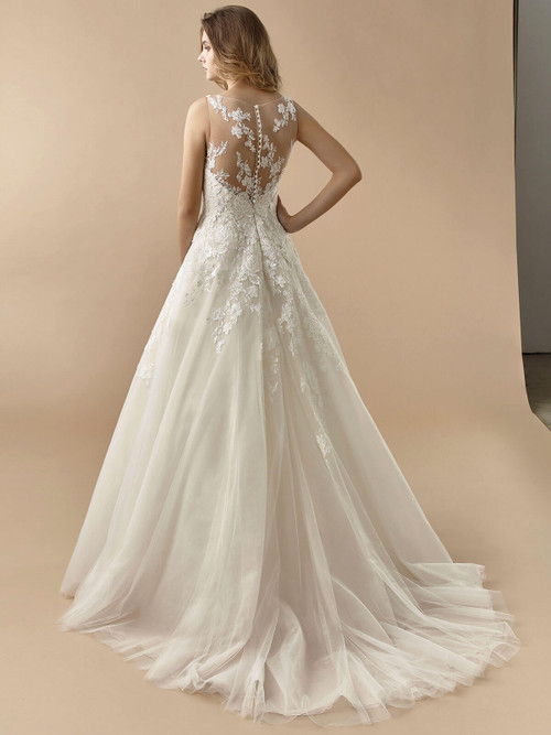 Enzoani Beautiful Wedding Gown BT20-07