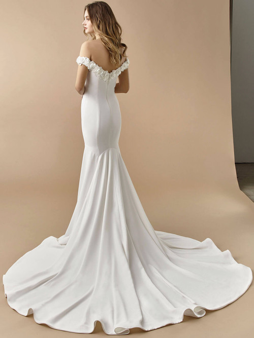 Enzoani Beautiful Wedding Gown BT20-14