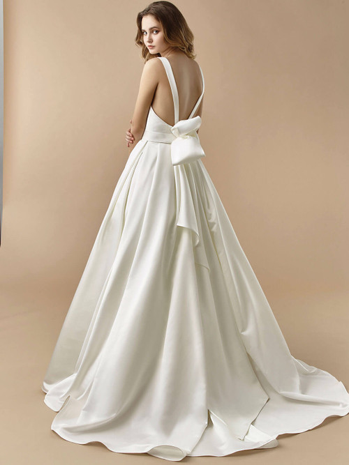 Enzoani Beautiful Wedding Gown BT20-23