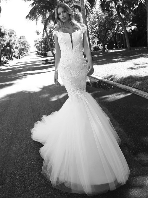 Plunging v-neck tulle wedding dress Randy Fenoli Adriana