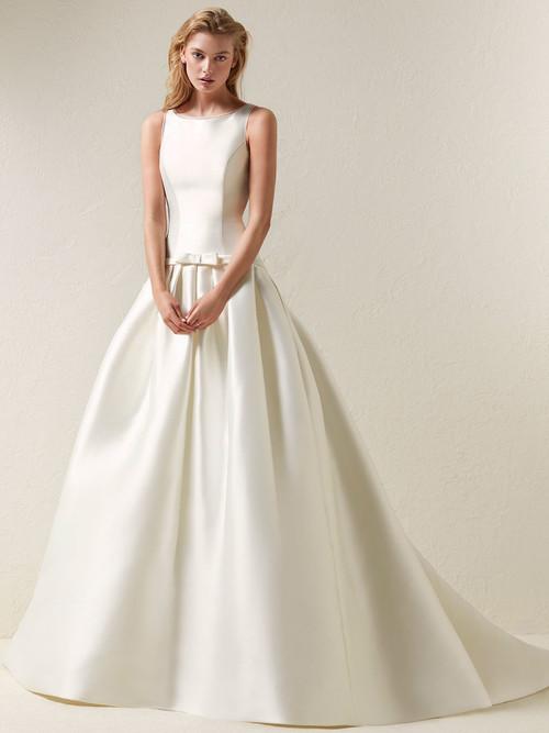 Pronovias Wedding Gown Dradine