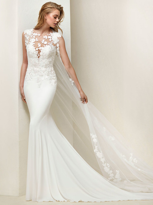 Pronovias Wedding Gown Drail