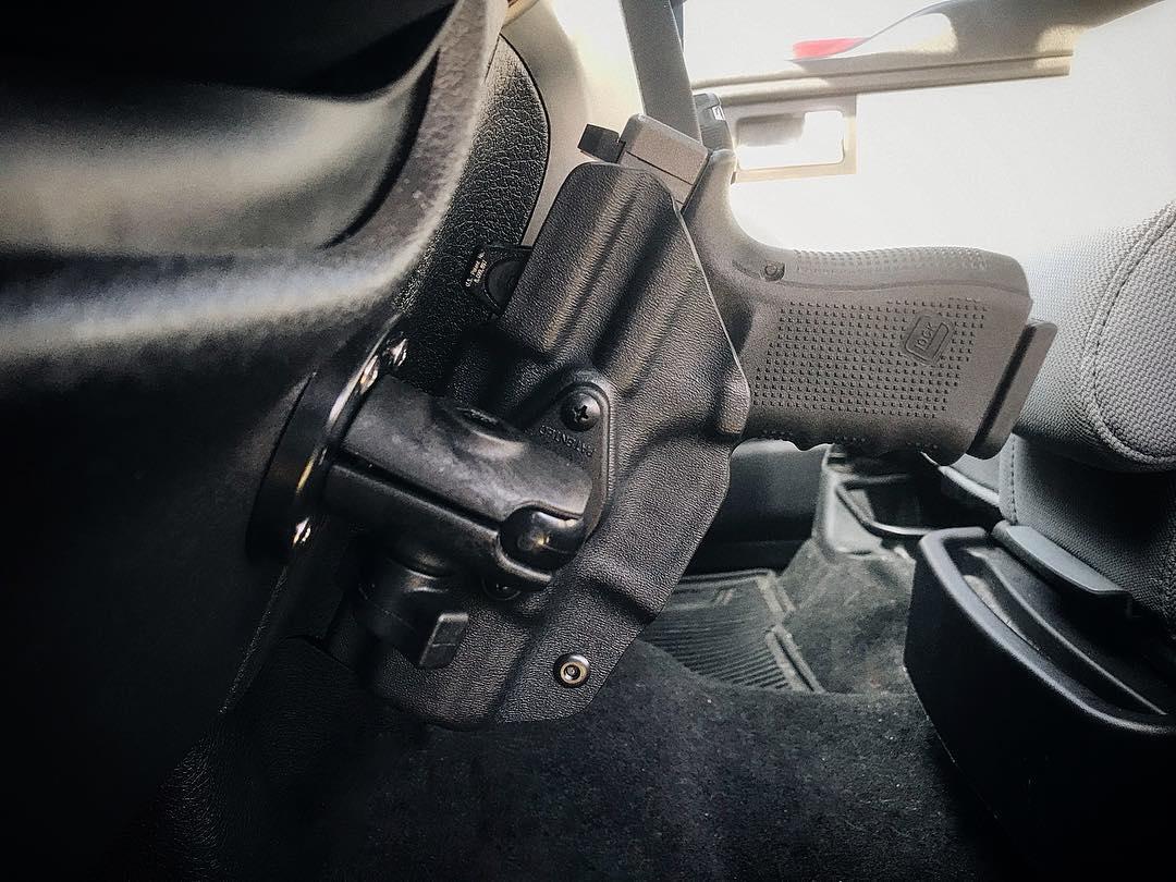 mounted-holster-g19.jpg