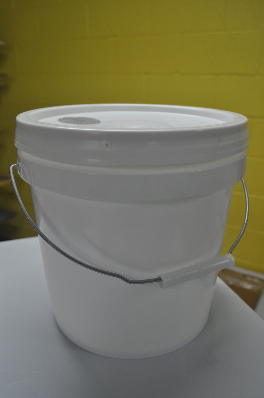 "alt=""2 gallon pail feeder with screen for feeding of honeybees inside the beehive"""