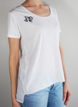 White scoop neck tee with natural python Texas