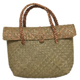 Straw tote with closable top details