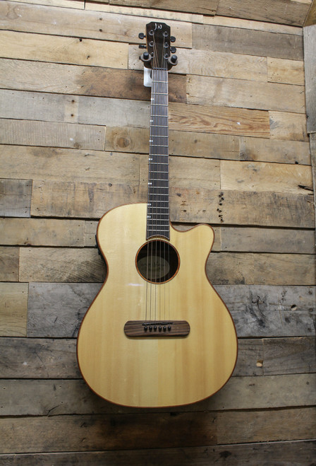 James Neligan LIS-MJCFI Acoustic/Electric Guitar Solid Spruce Top,Fishman Pickup