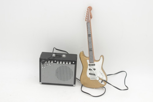 Fender Strat & Amp Toy Guitar - Plays music, working whammy-by Trendsetters 1996