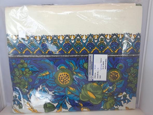 "Tapestry, Pretty Blue,  88"" x 104"" - Tapiz, Bonito Azul, 88"" x 104"""