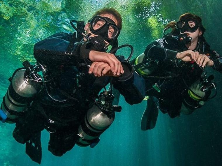 PADI Sidemount Diver course at Sunderland Scuba Centre, Sunderlands only 5 Star Dive Centre