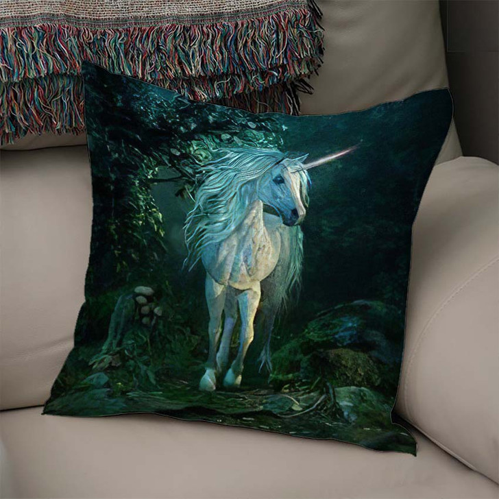 3D Computer Graphics Mythical Unicorn On - Fantasy Linen Throw Pillow