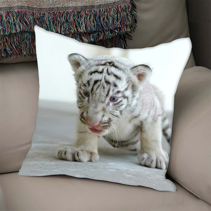 3 Week White Tiger - White Tiger Animals Linen Throw Pillow