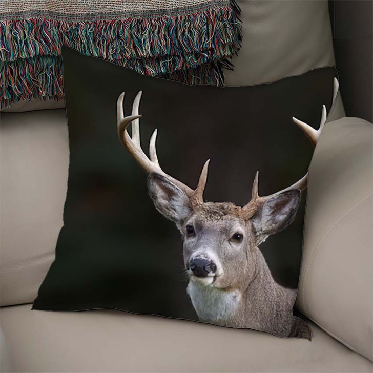 10 Point Buck Whitetail Deer Portrait - Hunting and Fishing Linen Throw Pillow