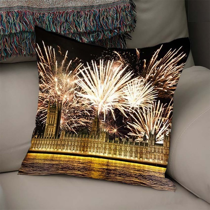3D Illustration Big Ben Clock Tower - Landmarks and Monuments Linen Throw Pillow