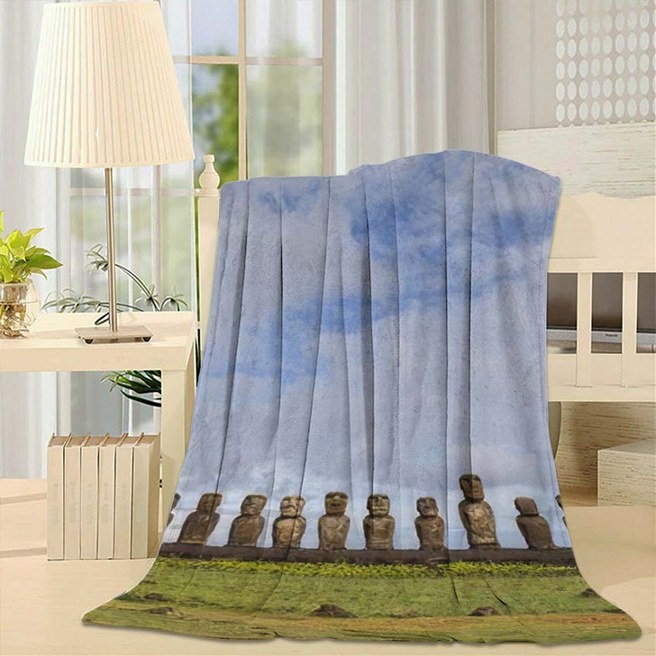 15 Moais Ahu Tongariki On Easter - Landmarks and Monuments Fleece Throw Blanket