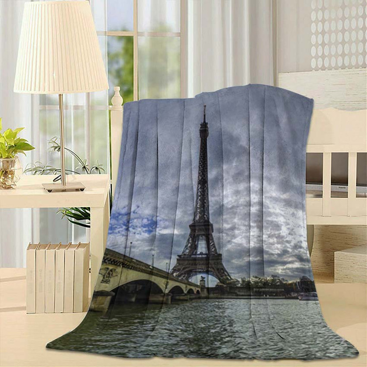 18 Mpx Panoramic View Eiffel Tower - Landmarks and Monuments Fleece Throw Blanket