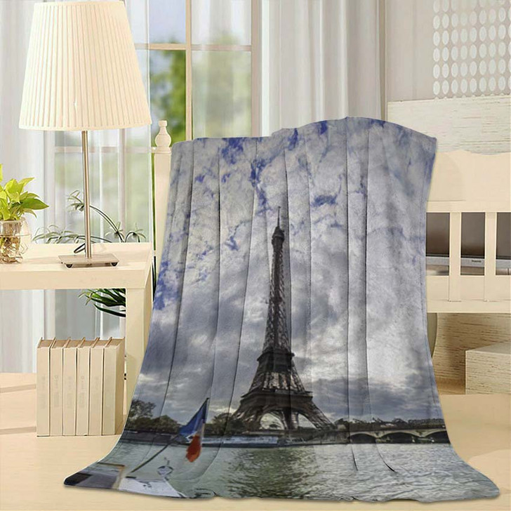 19 Mpx Panoramic View Eiffel Tower - Landmarks and Monuments Fleece Throw Blanket