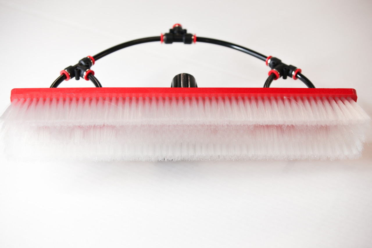 tucker water fed brush with four fan jets and nylon bristles dual trim