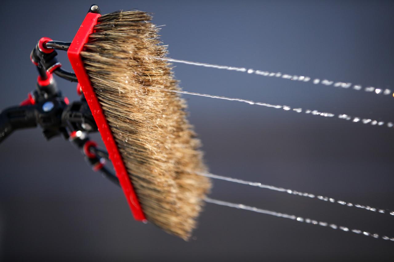 Water Fed Brush│Boar Bristle - 4 Pencil Jets