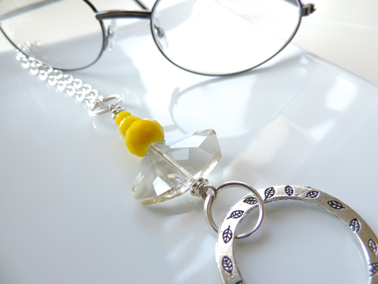 What is the Best Eyeglass Chain Holder?
