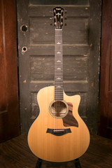 Taylor 616CE Grand Symphony Acoustic Electric Guitar w/Case - Used