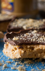 No Bake Peanut Butter Bars with Chocolate