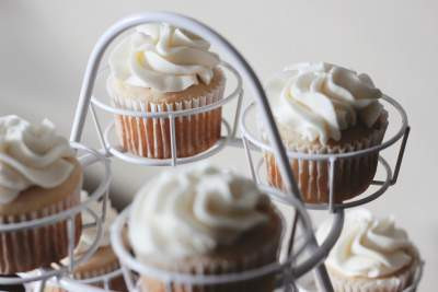 White Chocolate Frosting   Chocolate Buttercream
