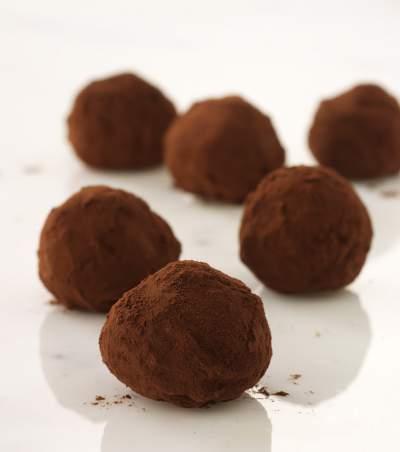 sbc-bulk-milk-chocolate-truffle-recipe-1502903762-23.241.66.124.jpg
