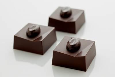 sbc-cinnamon-cappuccino-truffle-recipe-1502903856-23.241.66.124.jpg