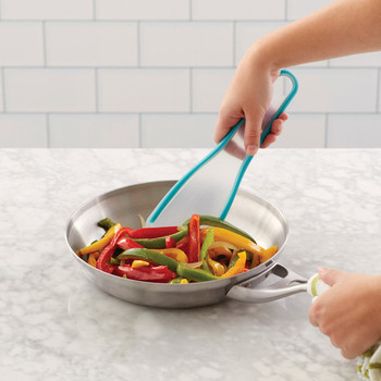 Wilton Versa-Tools Squeeze and Pour Spatula, 2103-4362