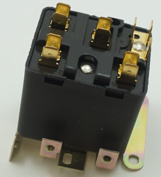 Packard Potential Relay, 395 Voltage, 180-195 pick up, 40-100 drop off, PR9026