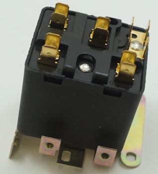 Packard Potential Relay, 395 Voltage, 180-195 pick up, 40-100 drop off, PR9026