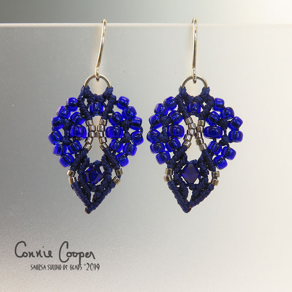 Crowns in Cobalt Blue & Silver ME16-3146