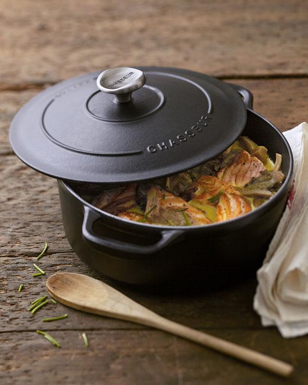chasseur-round-casserole.jpg