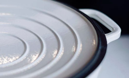 chasseur-round-french-oven-lid.jpg