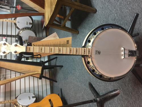 Deering 17 Fret Irish Tenor Banjo