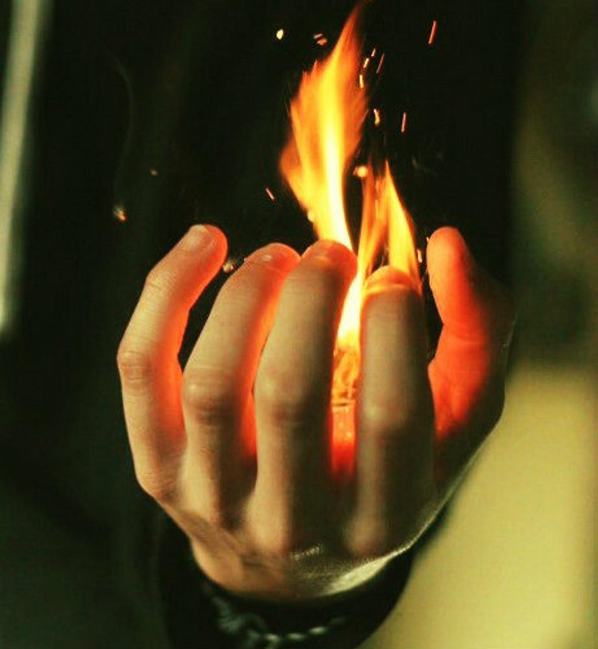 DiFatta Magic - Flames from hand - Magic Trick Gospel